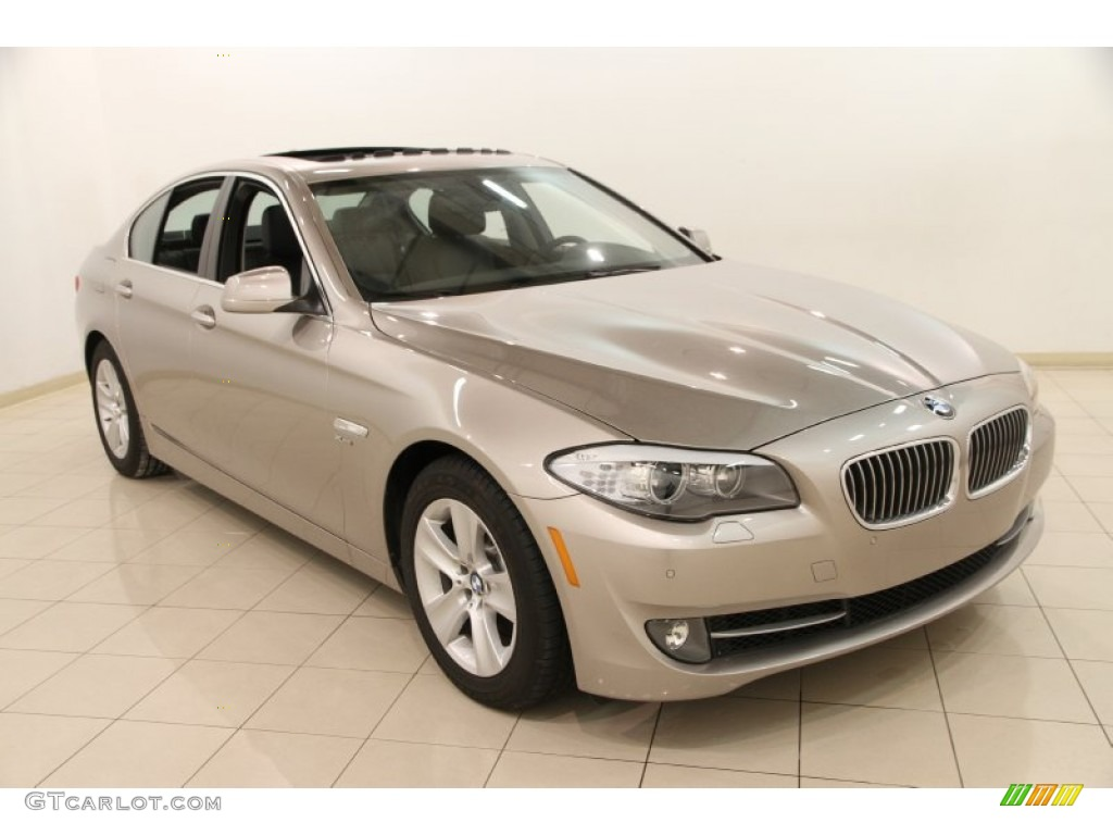 2012 cashmere silver metallic bmw 5 series 528i xdrive sedan 89947147 car. Black Bedroom Furniture Sets. Home Design Ideas
