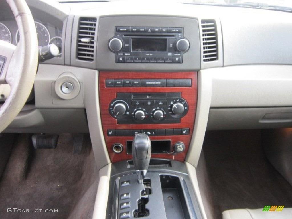 2005 Jeep Grand Cherokee Limited Controls Photo 90383192