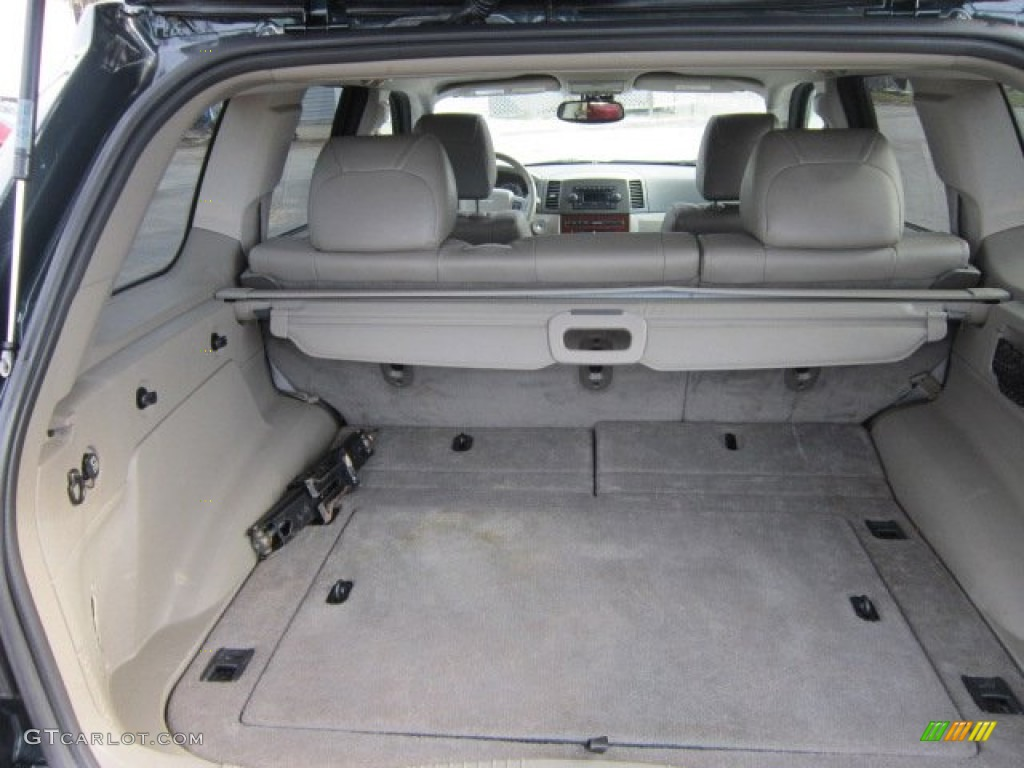 2005 Jeep Grand Cherokee Limited Trunk Photos