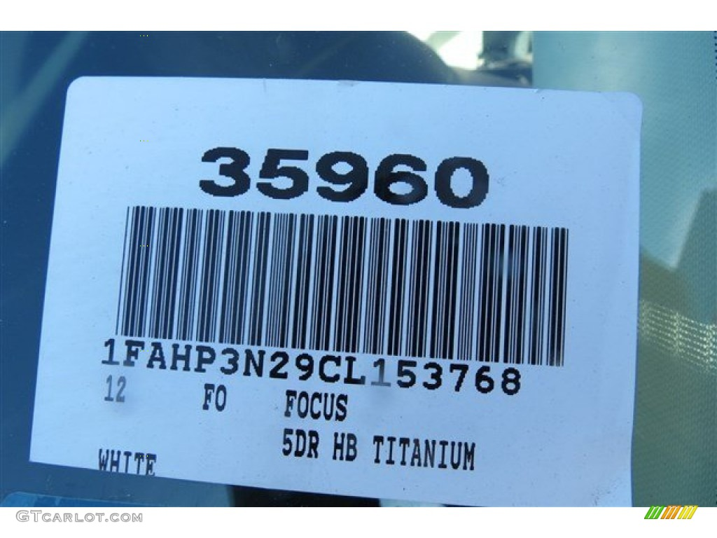 2012 Focus Titanium 5-Door - White Platinum Tricoat Metallic / Arctic White Leather photo #19
