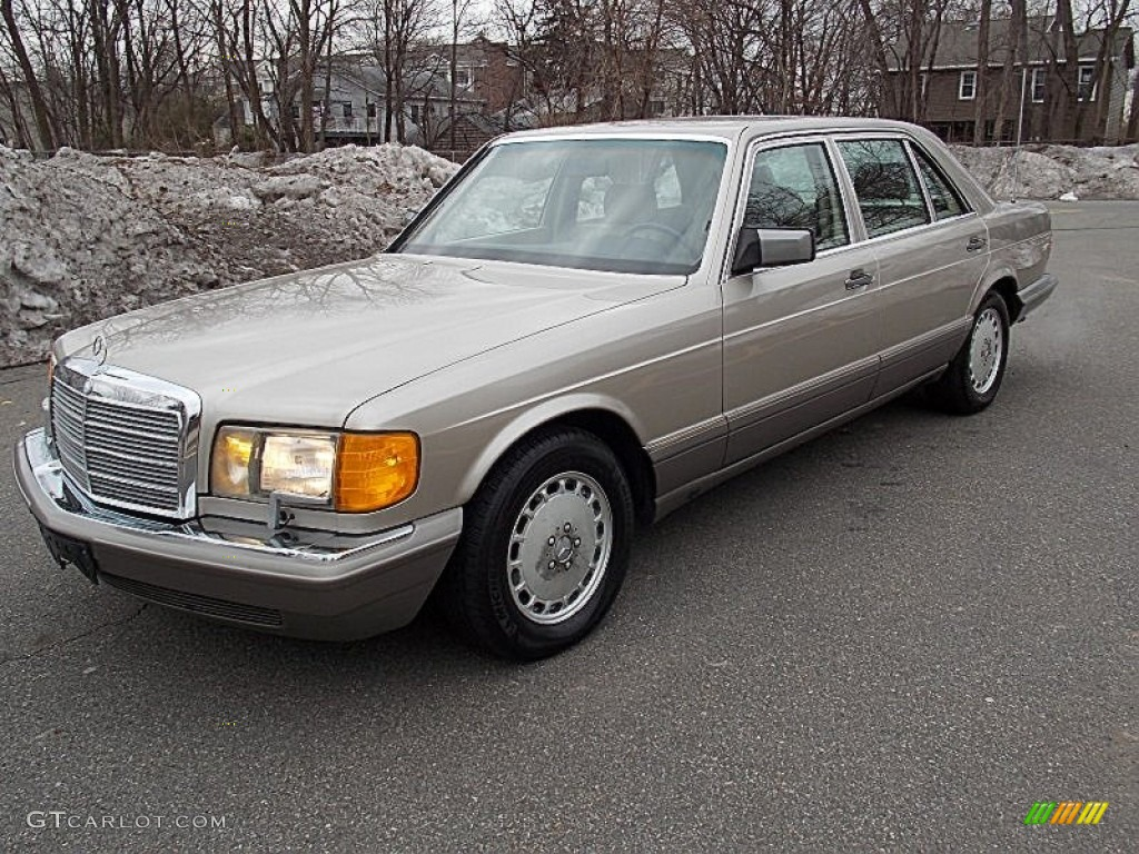 1990 smoke silver metallic mercedes benz 420 sel sedan for Mercedes benz silver