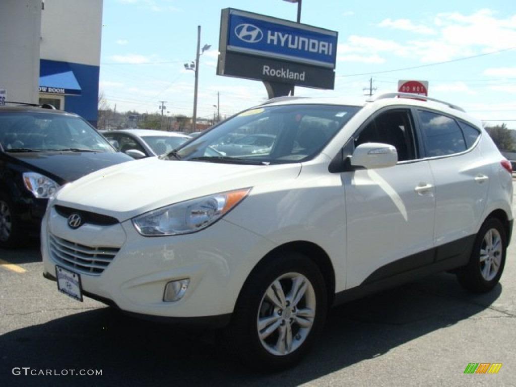 2013 Cotton White Hyundai Tucson Limited 91776950