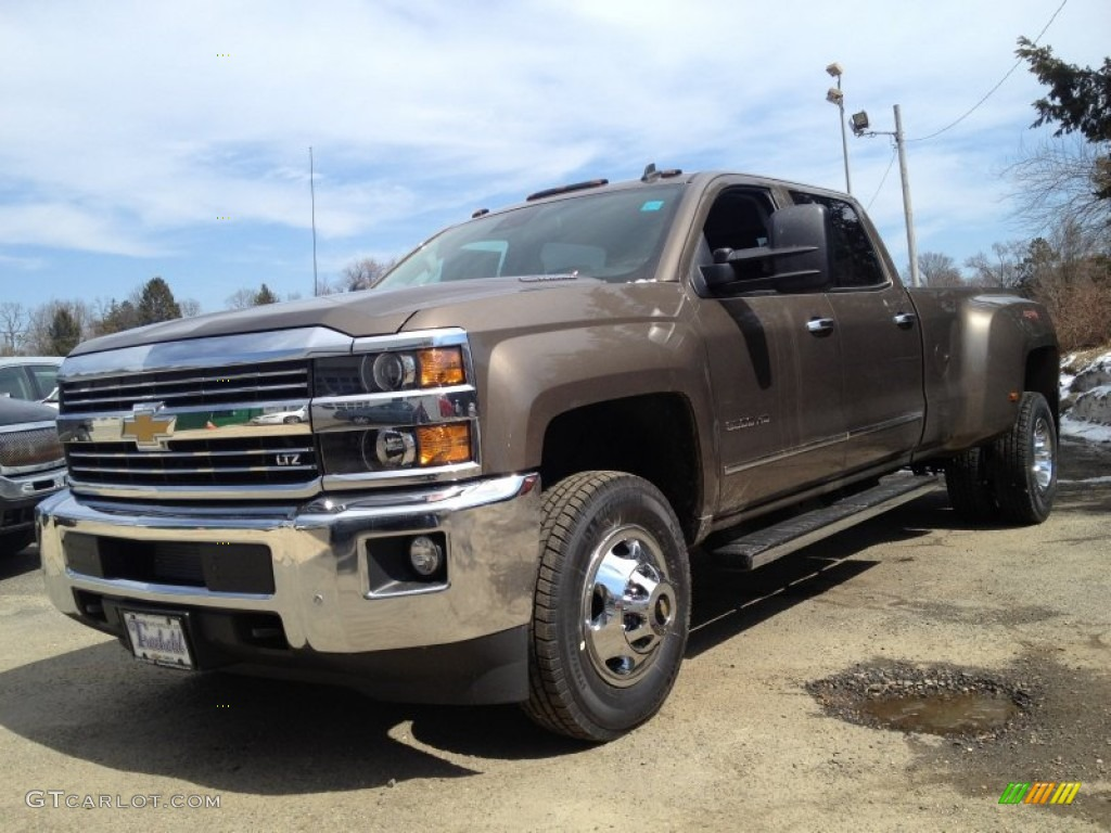 2015 brownstone metallic chevrolet silverado 3500hd ltz crew cab dual rear wheel 4x4 91942864. Black Bedroom Furniture Sets. Home Design Ideas