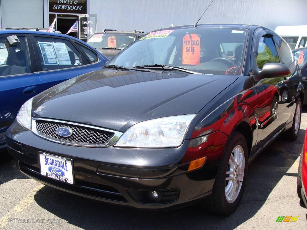 2005 Focus ZX3 SE Coupe - Pitch Black / Charcoal/Charcoal photo #1