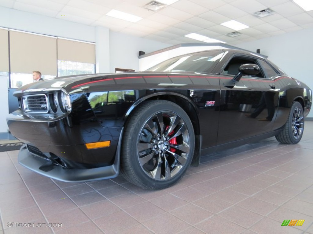 Challenger srt8 2014 black
