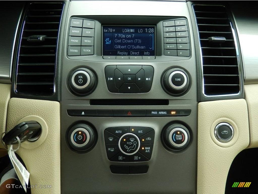 2014 Ford Taurus Sel Controls Photos