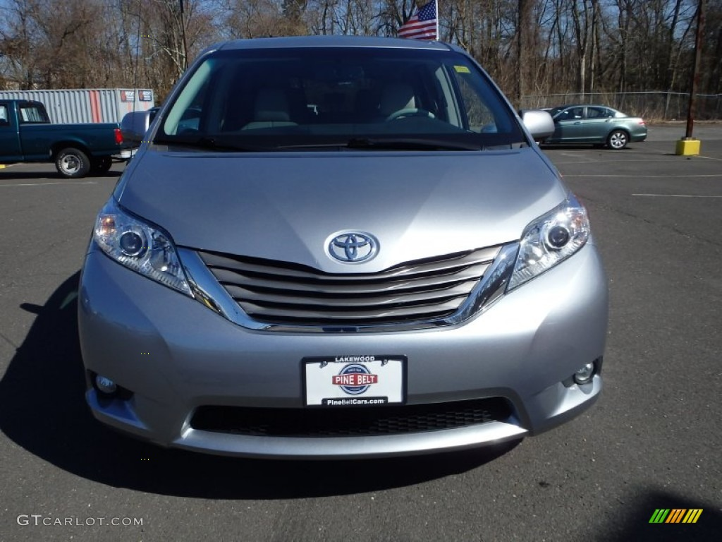 2011 Sienna XLE AWD - Silver Sky Metallic / Light Gray photo #2