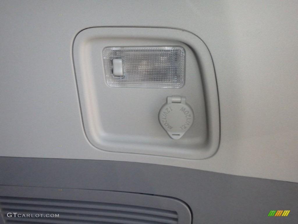2011 Sienna XLE AWD - Silver Sky Metallic / Light Gray photo #23