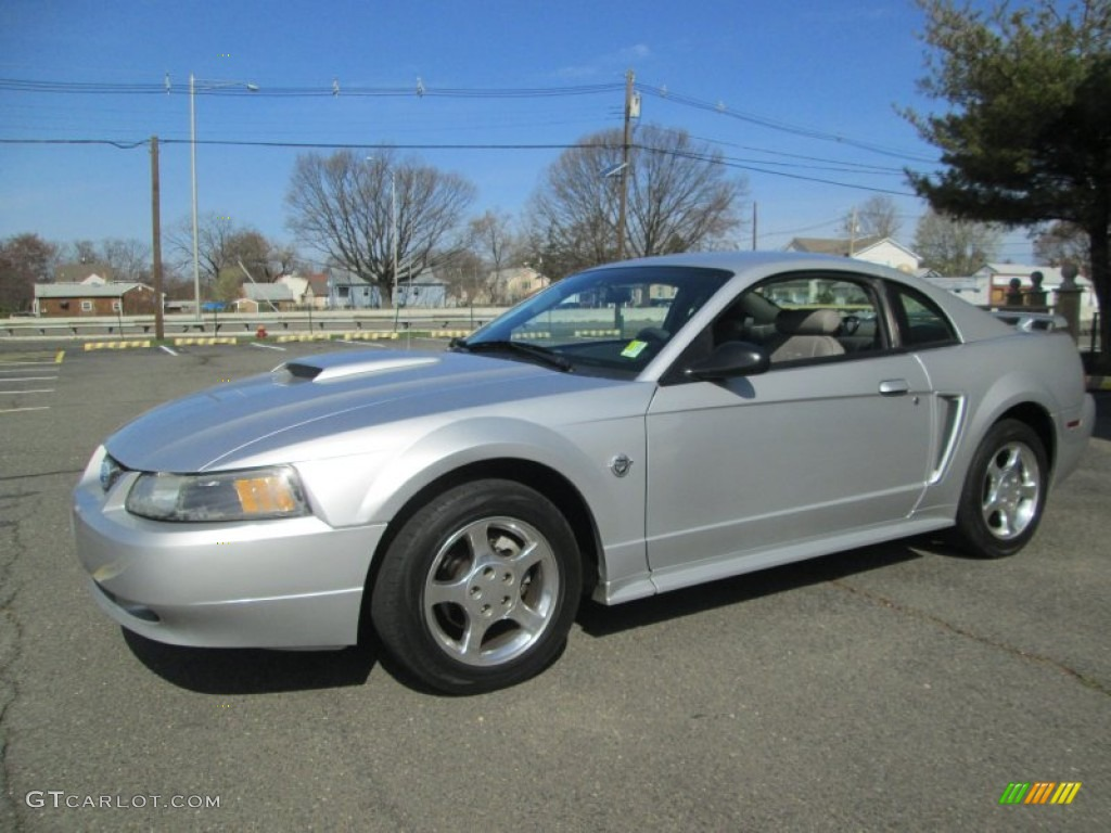 2004 Mustang V6 Coupe - Silver Metallic / Medium Graphite photo #1