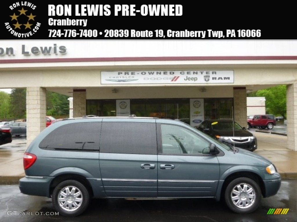 2005 Town & Country Limited - Butane Blue Pearl / Medium Slate Gray photo #1