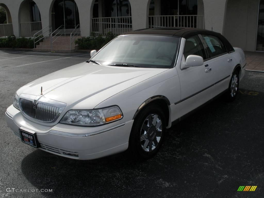 2003 Ceramic White Tri Coat Lincoln Town Car Cartier 9333372