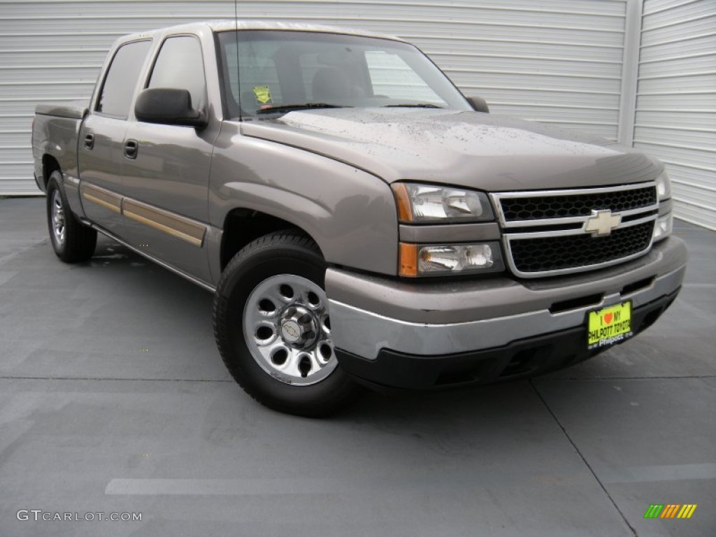 2006 Silverado 1500 LS Crew Cab - Graystone Metallic / Medium Gray photo #1