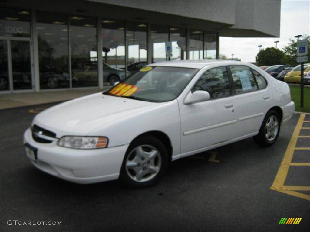 2000 Altima GXE   Cloud White / Blond Photo #1