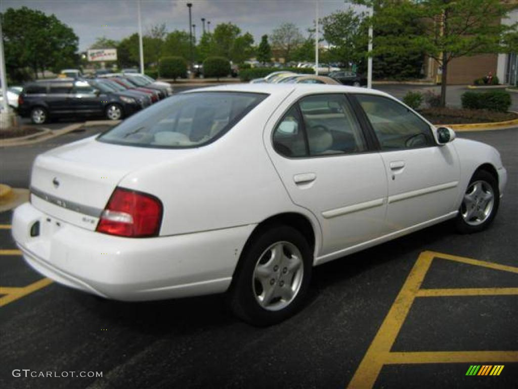 2000 Altima GXE   Cloud White / Blond Photo #4