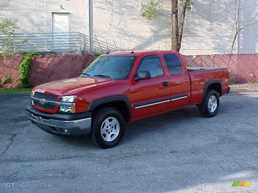 2005 Silverado 1500 Z71 Extended Cab 4x4 - Victory Red / Dark Charcoal photo #1