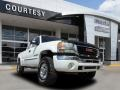 Summit White 2004 GMC Sierra 2500HD Gallery