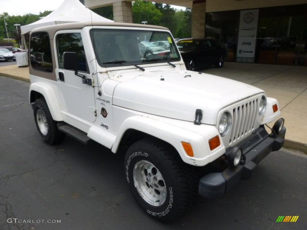 Stone White 1999 Jeep Wrangler Sahara 4x4 Exterior Photo 94734427