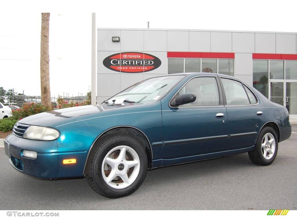 1996 Starfire Blue Pearl Nissan Altima GXE #9514306 Photo #7 ...