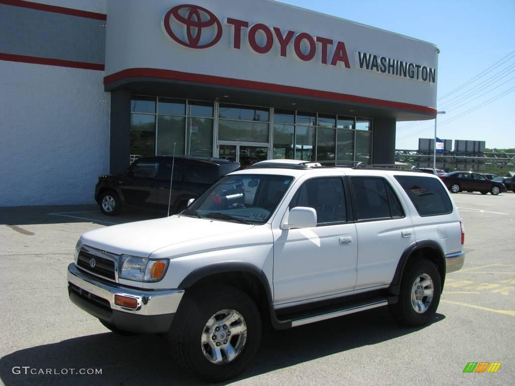 Natural White Toyota 4Runner