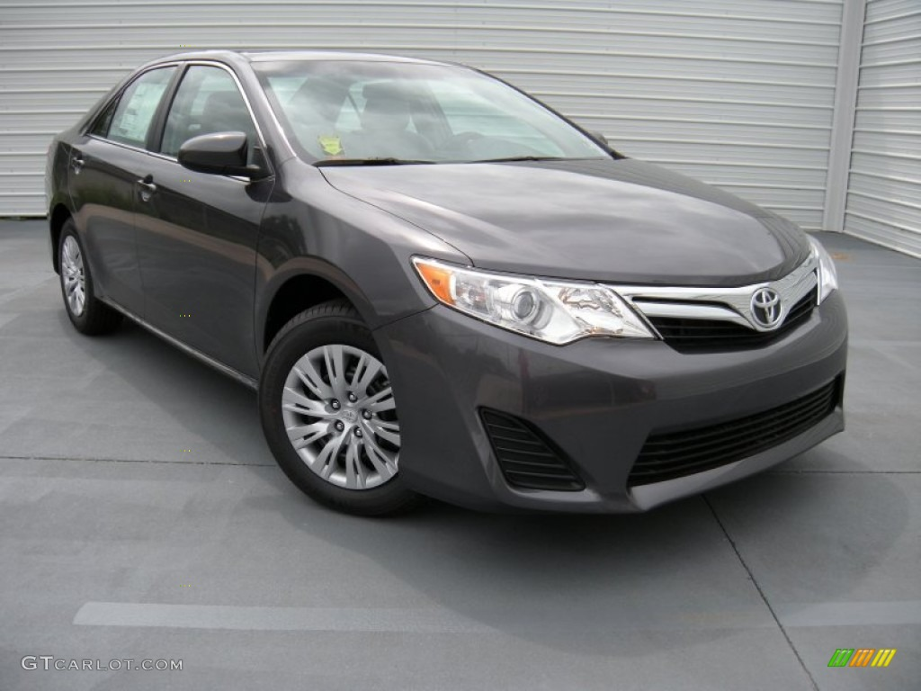 2014 magnetic gray metallic toyota camry le 95391046 car color galleries. Black Bedroom Furniture Sets. Home Design Ideas