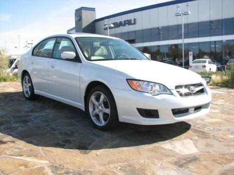 2009 Satin White Pearl Subaru Legacy 2.5i Sedan