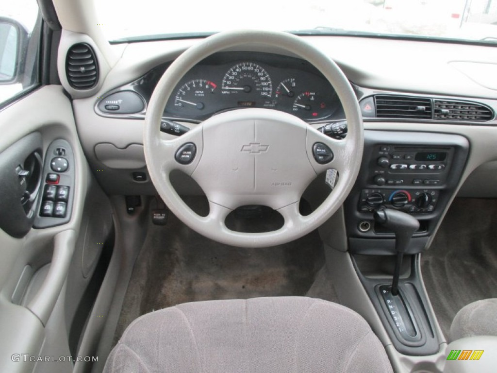 2003 chevrolet malibu sedan dashboard photos. Black Bedroom Furniture Sets. Home Design Ideas