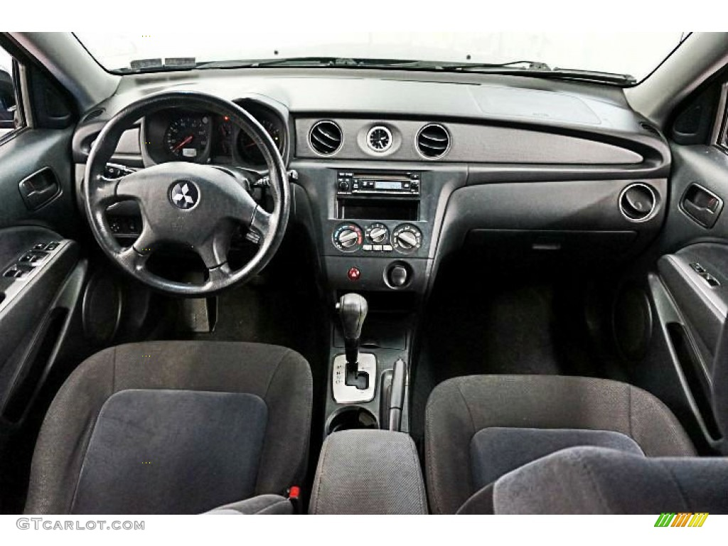 Charcoal Interior 2004 Mitsubishi Outlander Ls Awd Photo 95676032