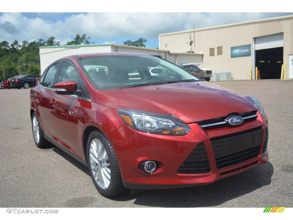 2014 focus titanium sedan ruby red charcoal black photo 1