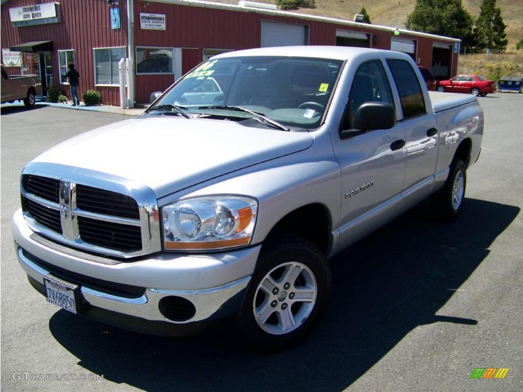 2006 Ram 1500 SLT Quad Cab 4x4 - Bright Silver Metallic / Medium Slate Gray photo #1