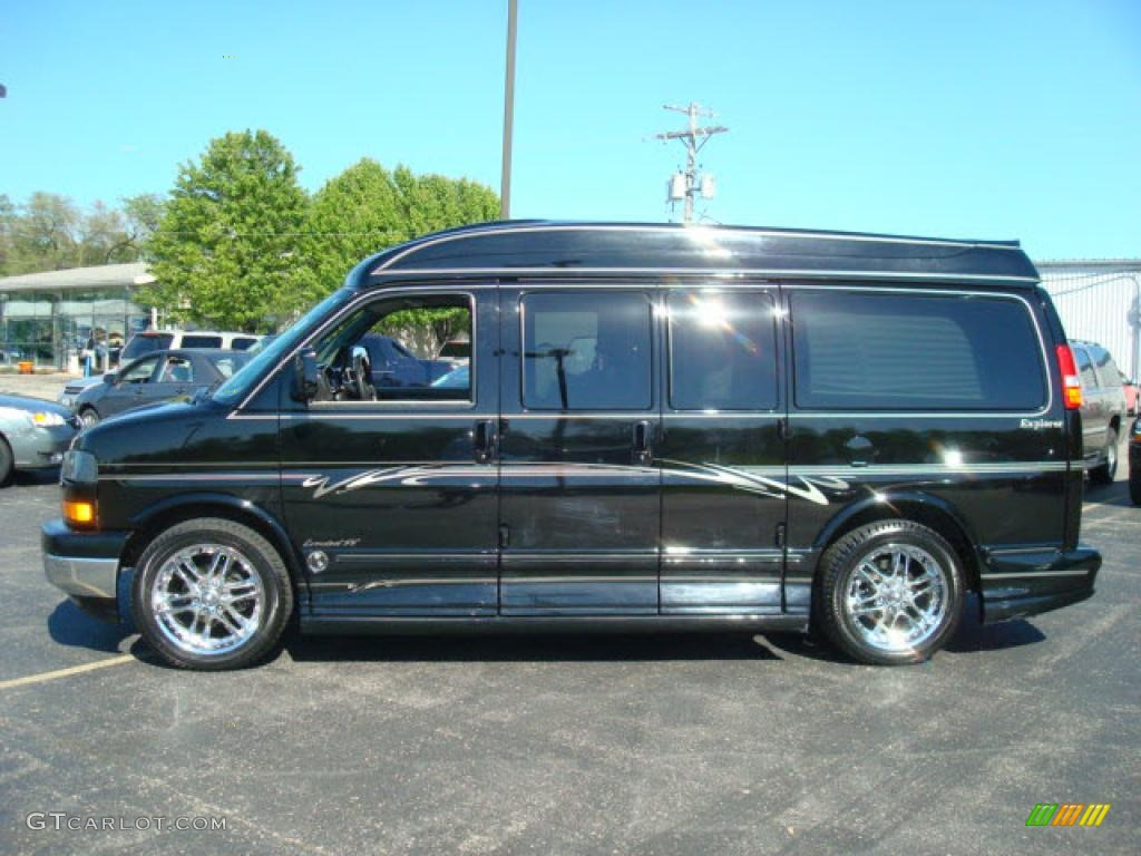 2005 onyx black gmc savana van 1500 passenger conversion. Black Bedroom Furniture Sets. Home Design Ideas