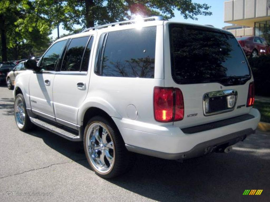 2002 oxford white lincoln navigator luxury 4x4 9558891 photo 2 gtcarlot com car color galleries gtcarlot com