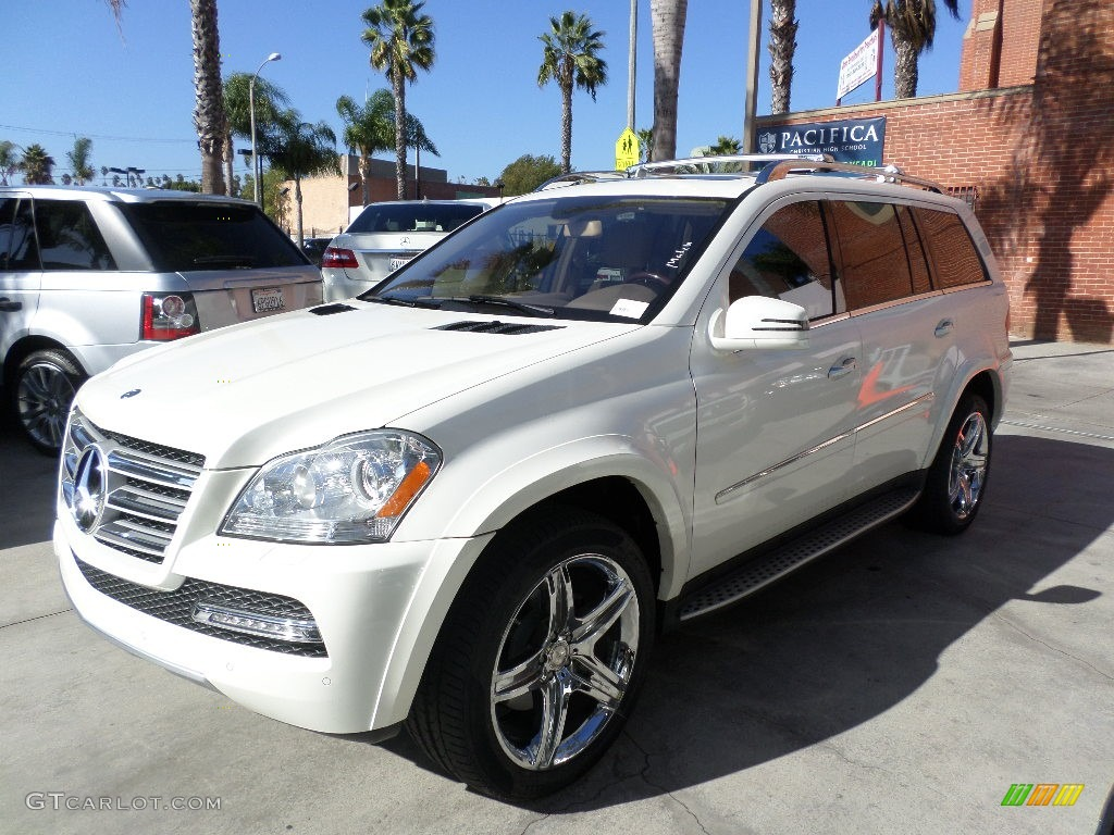 Diamond white metallic 2012 mercedes benz gl 550 4matic for Mercedes benz 550 gl