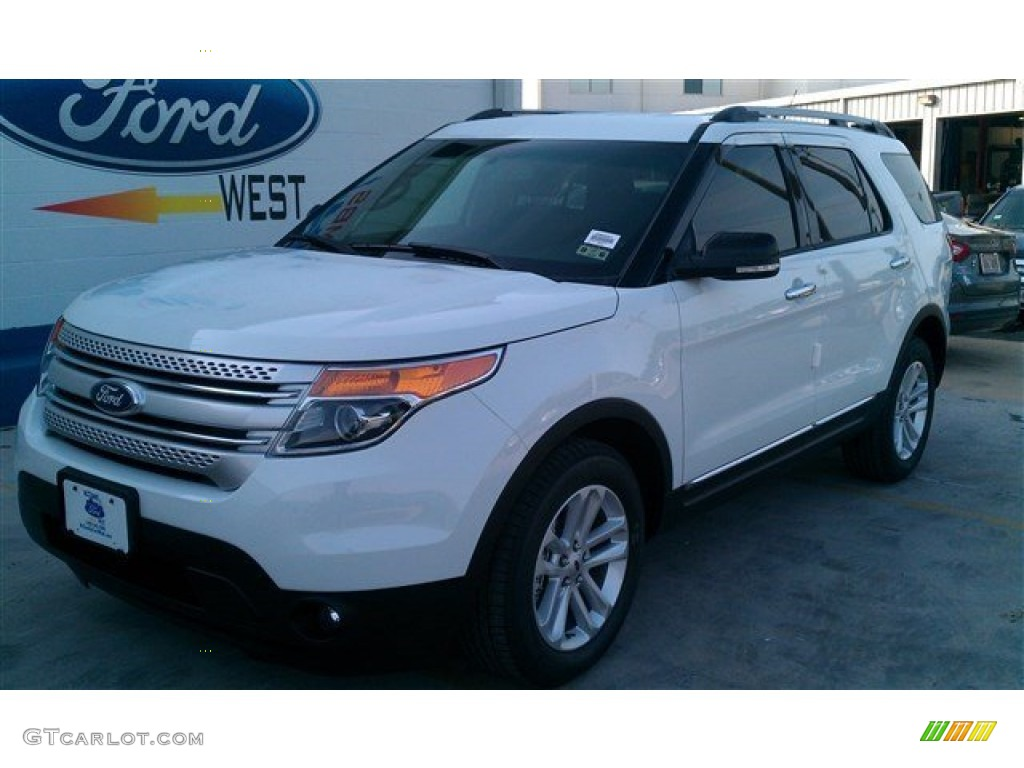 2015 ford explorer xlt oxford white color charcoal black interior 2015