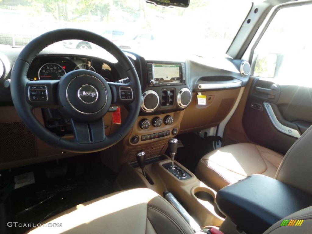 Black Dark Saddle Interior 2015 Jeep Wrangler Unlimited Sahara 4x4