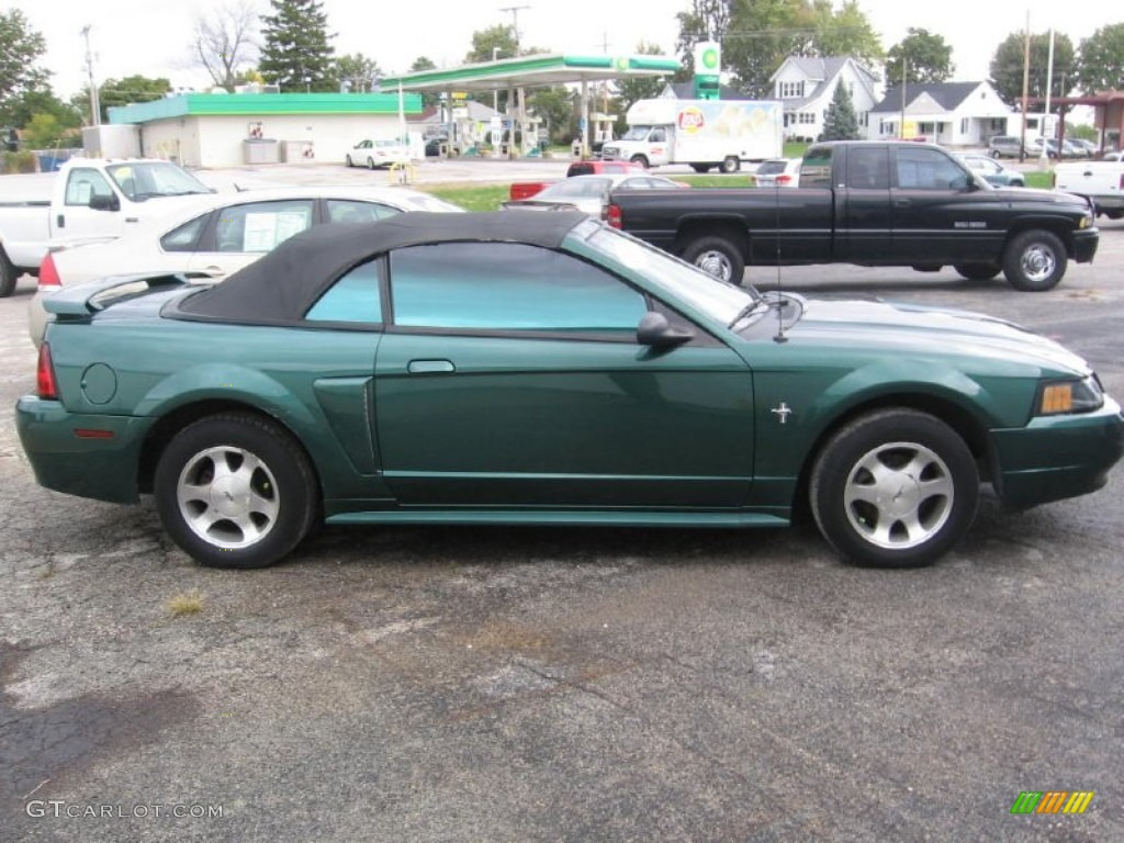 Tropic Green Metallic 2001 Ford Mustang V6 Convertible