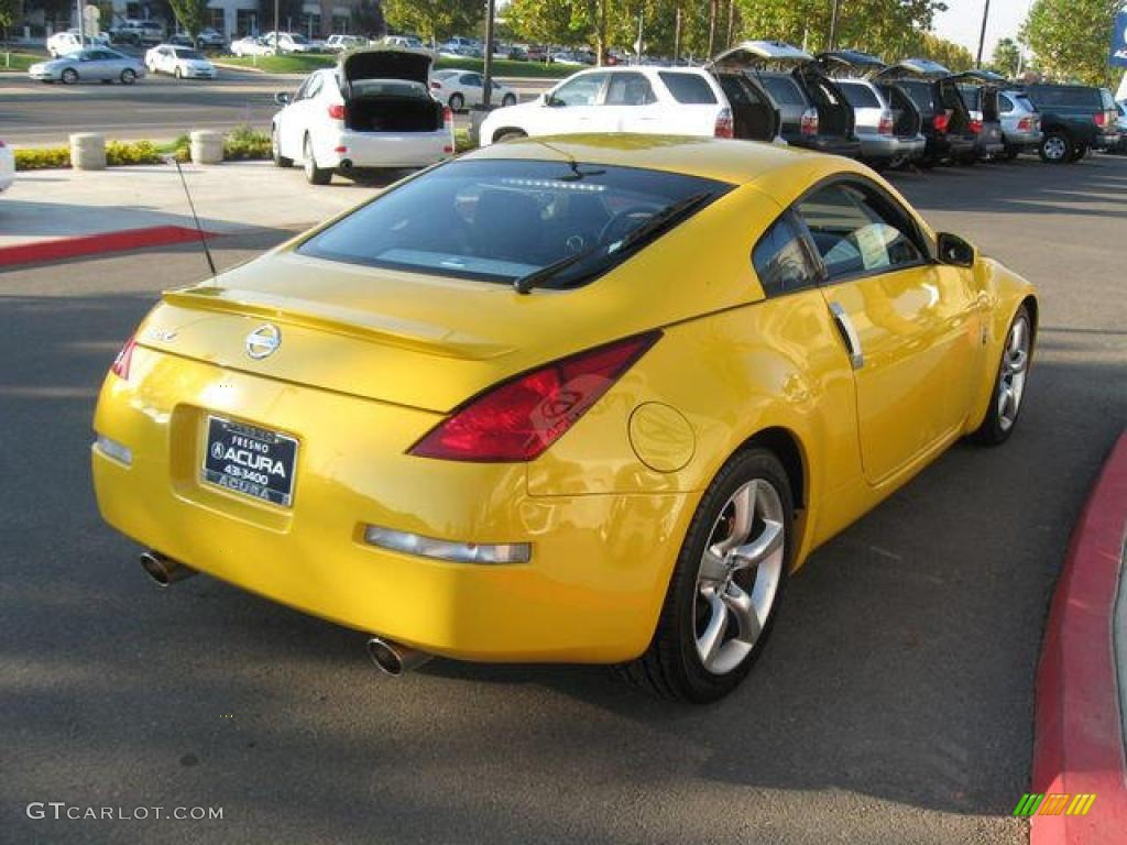 2005 ultra yellow metallic nissan 350z anniversary edition coupe 978054 photo 3. Black Bedroom Furniture Sets. Home Design Ideas
