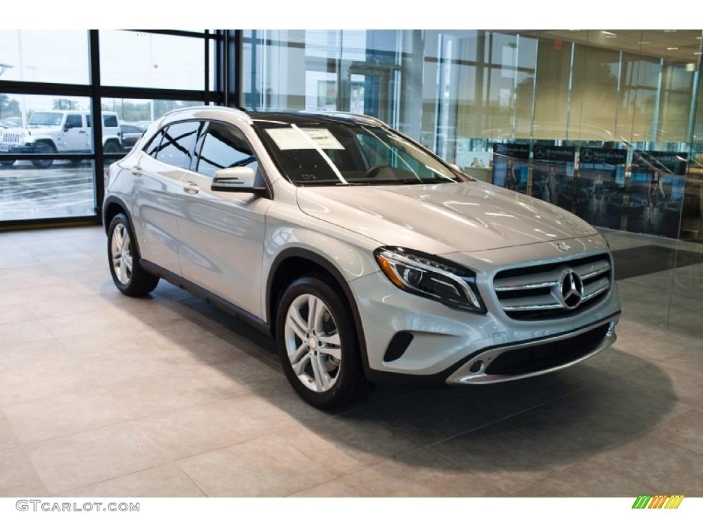 2015 Polar Silver Metallic Mercedes-Benz GLA 250 4Matic ...