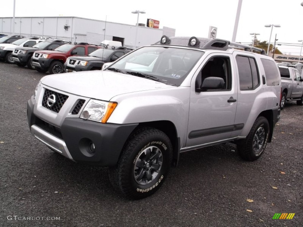 brilliant silver 2015 nissan xterra pro 4x 4x4 exterior. Black Bedroom Furniture Sets. Home Design Ideas