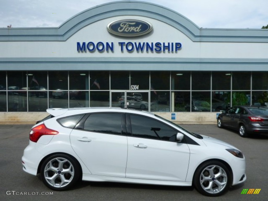 2014 focus st hatchback oxford white st charcoal black photo 1