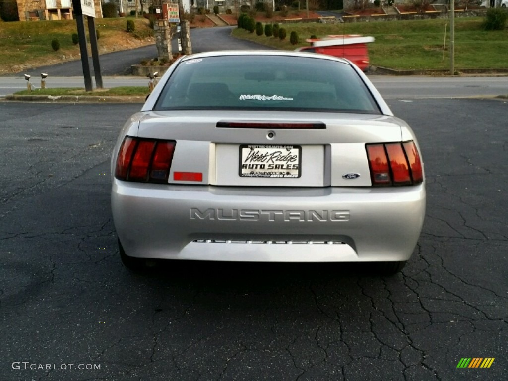 2000 Mustang V6 Coupe - Silver Metallic / Dark Charcoal photo #5
