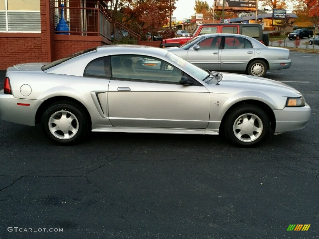 2000 Mustang V6 Coupe - Silver Metallic / Dark Charcoal photo #7
