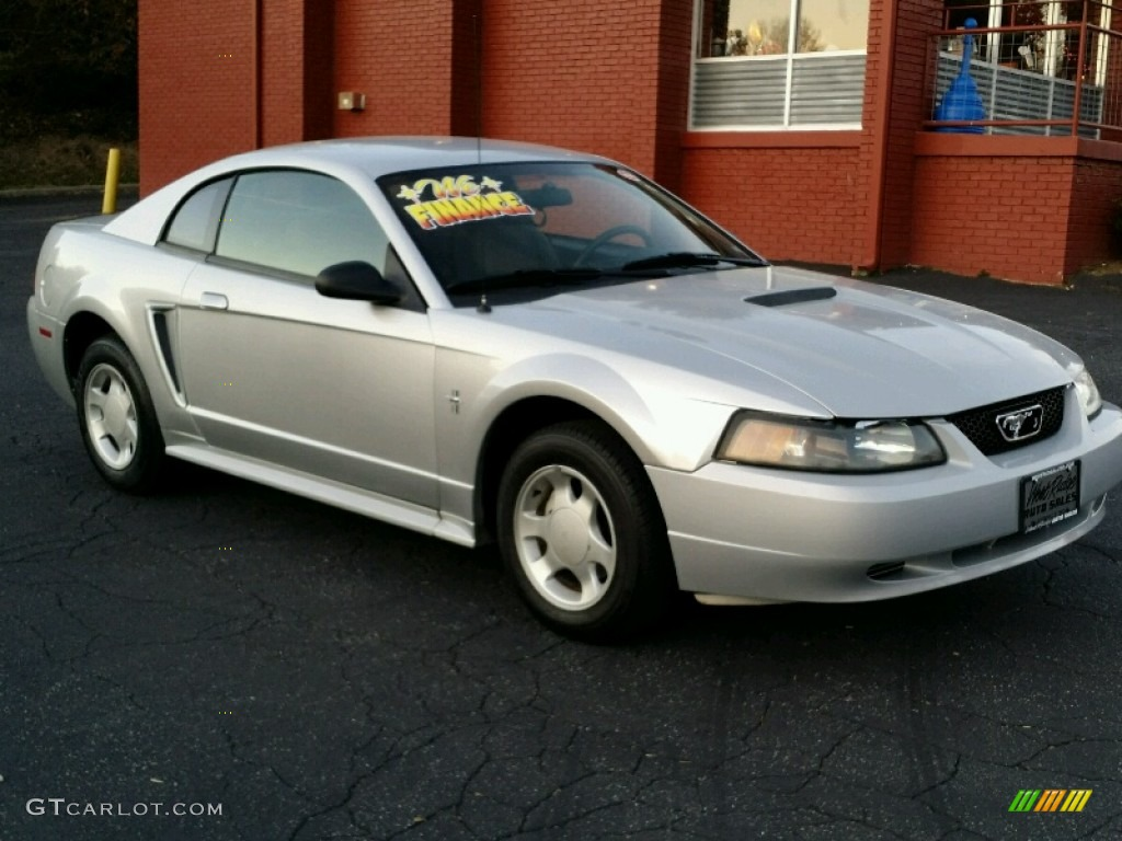 2000 Mustang V6 Coupe - Silver Metallic / Dark Charcoal photo #8