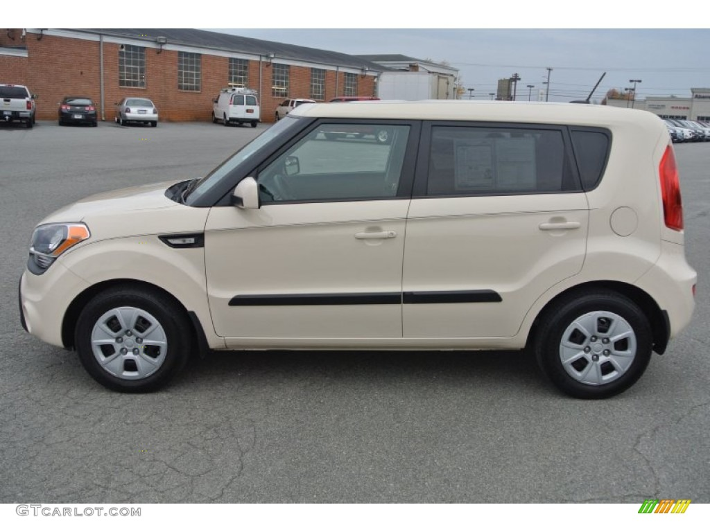 Dune beige 2013 kia soul 1 6 exterior photo 99125557 2012 kia soul exterior colors