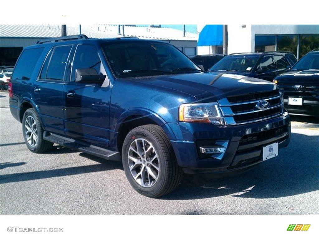 Blue jeans metallic ford expedition